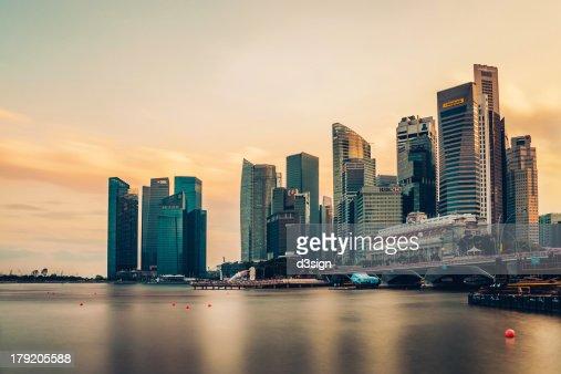 Singapore skyline at sunset, Merlion Park