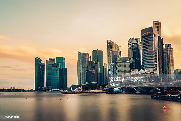 Singapore skyline at sunset, Merlion Park