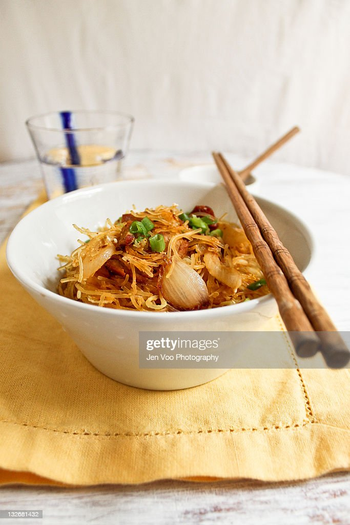 Singapore stir-fried rice noodles : Stock Photo