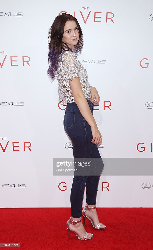 Singer Acacia Brinley attends 'The Giver' premiere at Ziegfeld Theater on August 11, 2014 in New York City.