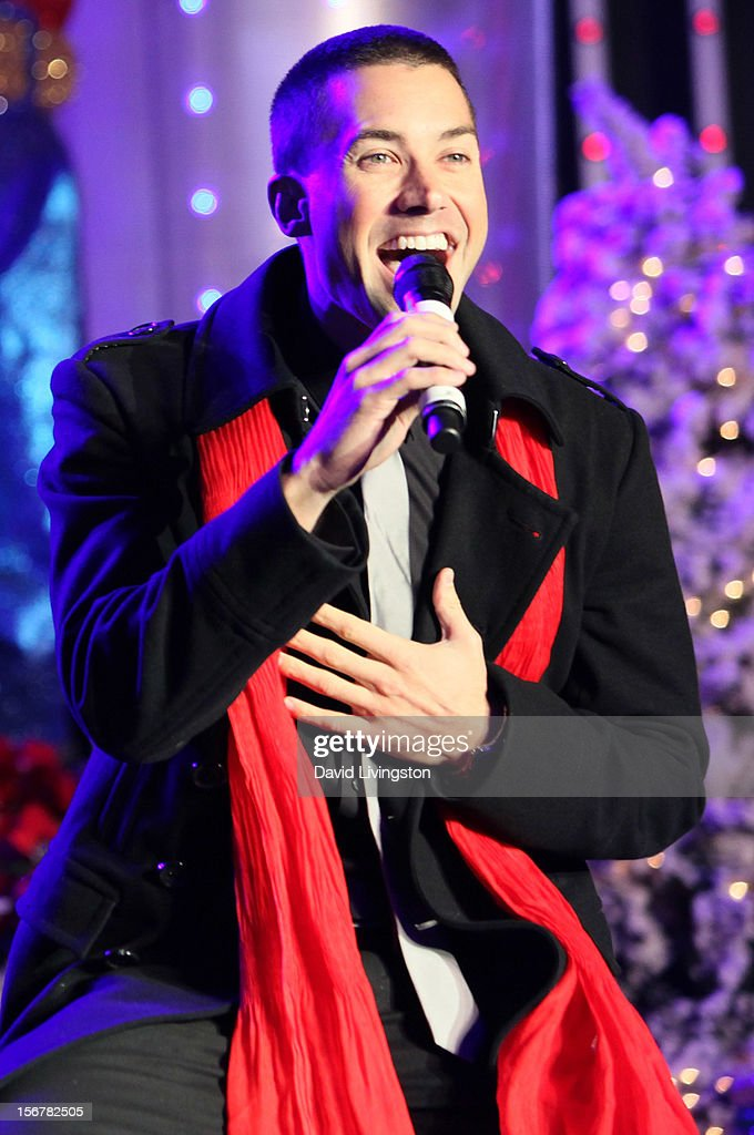 Singer Ace Young performs on stage at Associated Television International's 2012 Hollywood Christmas Parade Concert at Universal CityWalk's 5 Towers on November 20, 2012 in Universal City, California.