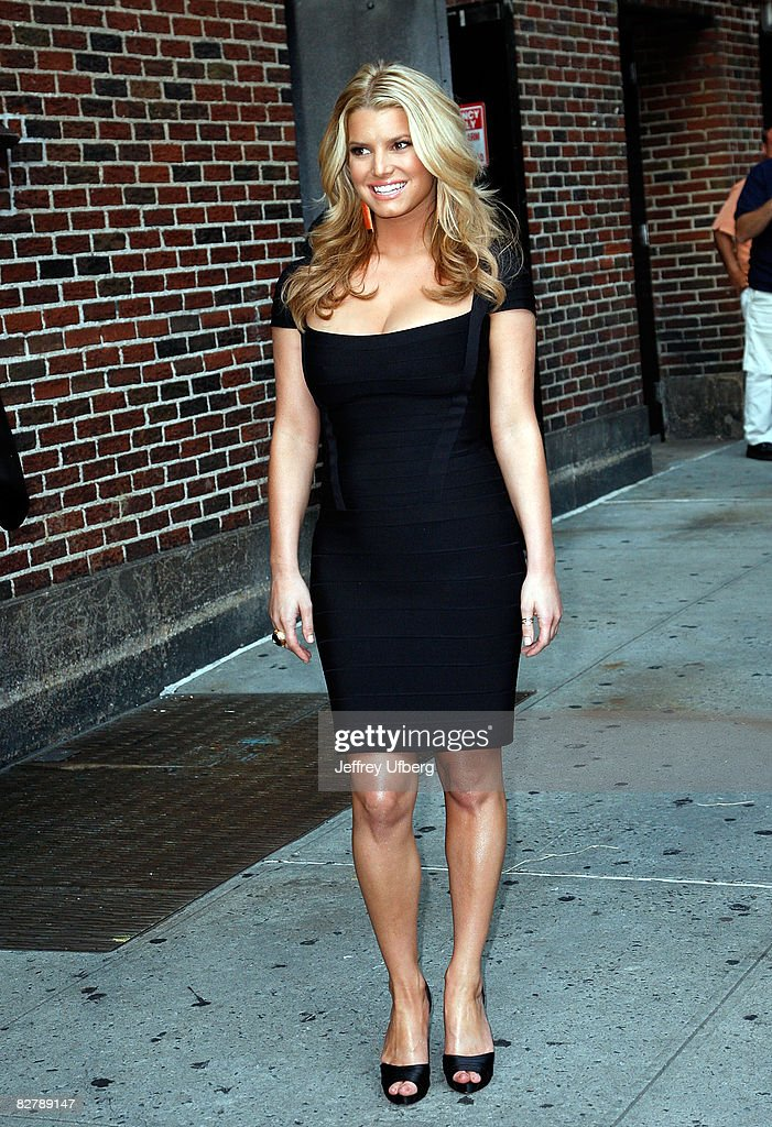 Singer / Actress <a gi-track='captionPersonalityLinkClicked' href=/galleries/search?phrase=Jessica+Simpson&family=editorial&specificpeople=171513 ng-click='$event.stopPropagation()'>Jessica Simpson</a> visits the 'Late Show with David Letterman' at the Ed Sullivan Theatre on September 11, 2008 in New York City.