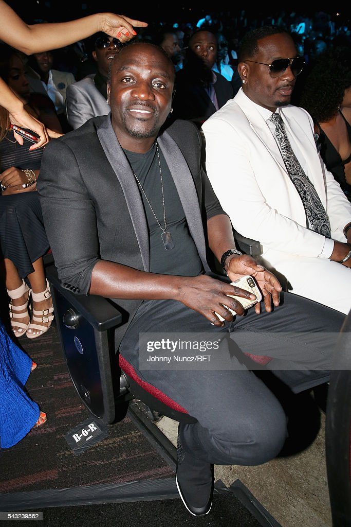 Singer <a gi-track='captionPersonalityLinkClicked' href=/galleries/search?phrase=Akon+-+Singer&family=editorial&specificpeople=2538597 ng-click='$event.stopPropagation()'>Akon</a> (L) attends the 2016 BET Awards at the Microsoft Theater on June 26, 2016 in Los Angeles, California.