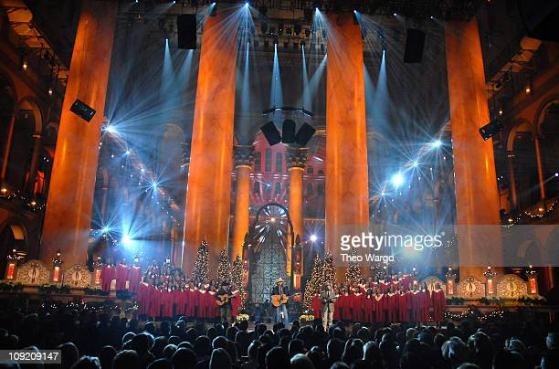 Singer Alan Jackson performs on stage during TNT's 'Christmas in Washington 2007' at the National Building Museum on December 9 2007 in Washington DC...