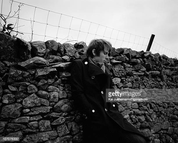 Singer Alex Kapranos of Franz Ferdinand poses for Madame Figaro in Glasgow Scotland in 2006 Figaro ID 069752021 CREDIT MUST READ Kai...