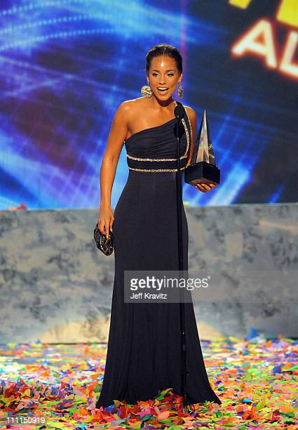 Singer Alicia Keys accepts award onstage during the 2008 American Music Awards held at Nokia Theatre LA LIVE on November 23 2008 in Los Angeles...
