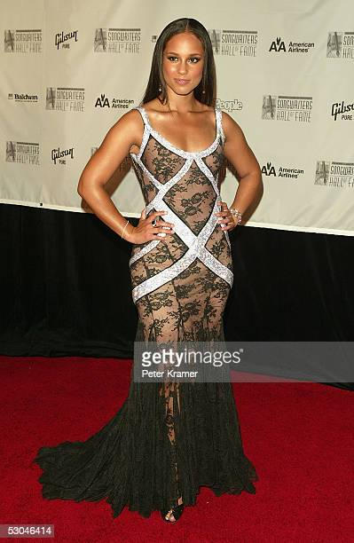 Singer Alicia Keys arrives at the 2005 Songwriters Hall Of Fame induction ceremony at the Marriott Marquis Hotel June 09 2005 in New York City