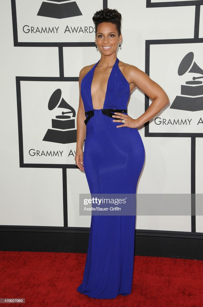 Singer <a gi-track='captionPersonalityLinkClicked' href=/galleries/search?phrase=Alicia+Keys&family=editorial&specificpeople=169877 ng-click='$event.stopPropagation()'>Alicia Keys</a> arrives at the 56th GRAMMY Awards at Staples Center on January 26, 2014 in Los Angeles, California.