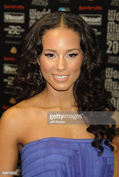 Singer Alicia Keys arrives at the World Music Awards 2008 at the Monte Carlo Sporting Club on November 9 2008 in Monte Carlo Monaco