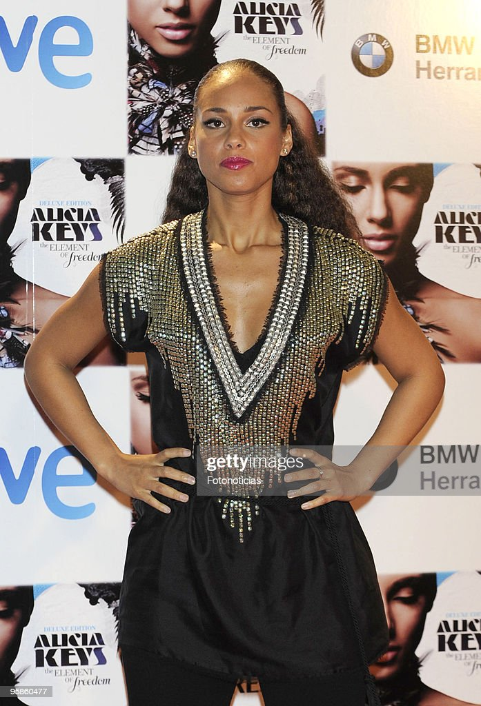 Singer Alicia Keys attends Alicia Keys concert photocall, at the Royal Theatre on January 18, 2010 in Madrid, Spain.