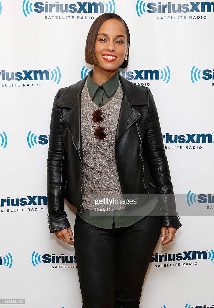 Singer <a gi-track='captionPersonalityLinkClicked' href=/galleries/search?phrase=Alicia+Keys&family=editorial&specificpeople=169877 ng-click='$event.stopPropagation()'>Alicia Keys</a> attends the SiriusXM Town Hall With <a gi-track='captionPersonalityLinkClicked' href=/galleries/search?phrase=Alicia+Keys&family=editorial&specificpeople=169877 ng-click='$event.stopPropagation()'>Alicia Keys</a> And Moderator Sway Calloway Live On 'Heart And Soul' at SiriusXM Studios on November 26, 2012 in New York City.
