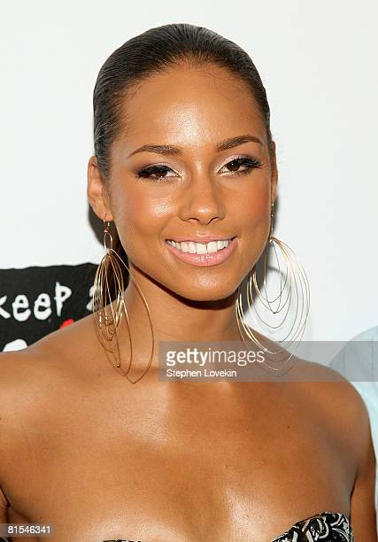 Singer Alicia Keys attends the 'We Are Together' Premiere at the Director's Guild of America June 12 2008 in New York City
