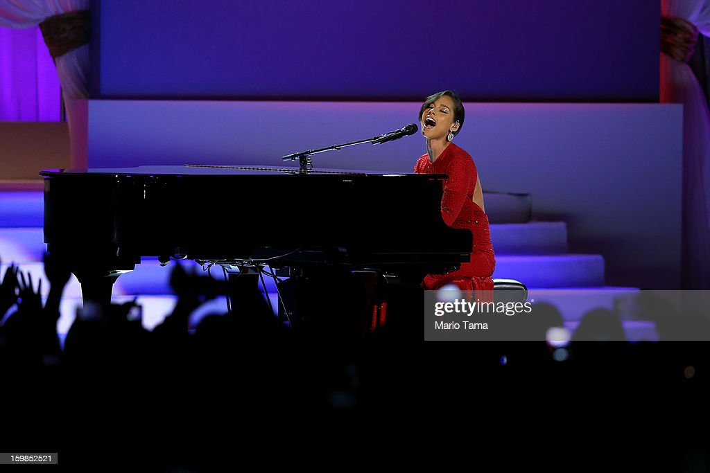 Singer <a gi-track='captionPersonalityLinkClicked' href=/galleries/search?phrase=Alicia+Keys&family=editorial&specificpeople=169877 ng-click='$event.stopPropagation()'>Alicia Keys</a> performs during the Public Inaugural Ball at the Walter E. Washington Convention Center on January 21, 2013 in Washington, DC. President Obama was sworn in for his second term earlier in the day.