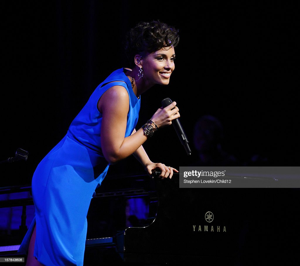Singer <a gi-track='captionPersonalityLinkClicked' href=/galleries/search?phrase=Alicia+Keys&family=editorial&specificpeople=169877 ng-click='$event.stopPropagation()'>Alicia Keys</a> performs on stage during Black Ball Redux at The Apollo Theater on December 6, 2012 in New York City.