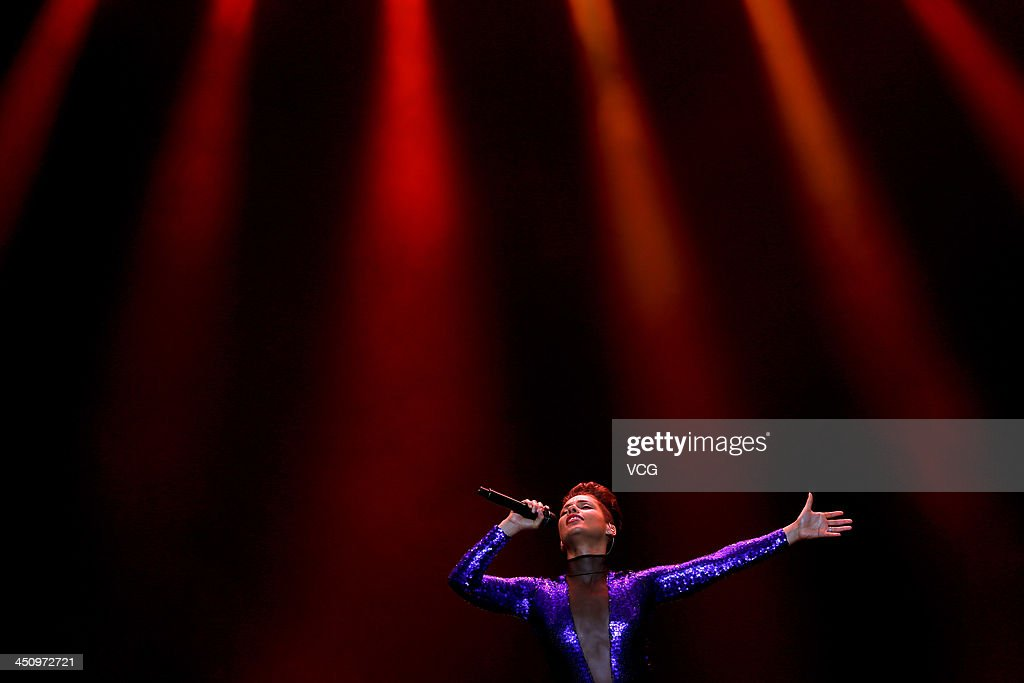 Singer <a gi-track='captionPersonalityLinkClicked' href=/galleries/search?phrase=Alicia+Keys&family=editorial&specificpeople=169877 ng-click='$event.stopPropagation()'>Alicia Keys</a> performs on the stage in concert at Mercedes-Benz Arena on November 20, 2013 in Shanghai, China.
