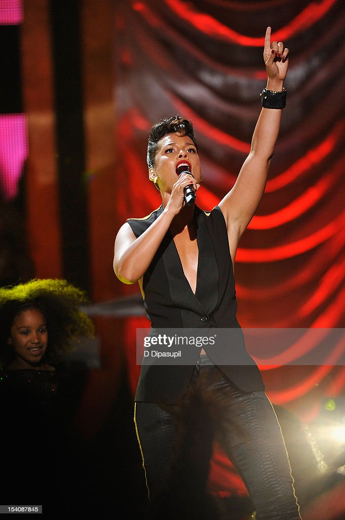 Singer <a gi-track='captionPersonalityLinkClicked' href=/galleries/search?phrase=Alicia+Keys&family=editorial&specificpeople=169877 ng-click='$event.stopPropagation()'>Alicia Keys</a> performs onstage at BET's Black Girls Rock 2012 at Paradise Theater on October 13, 2012 in New York City.