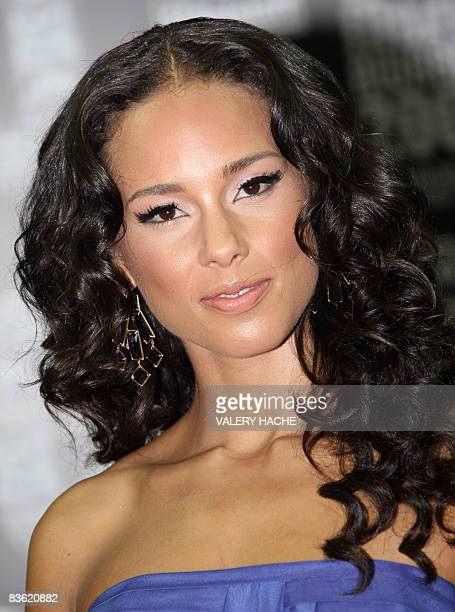 US singer Alicia Keys poses upon their arrival for the World Music Awards 2008 on November 9 2008 in Monaco The World Music Awards Award is an...