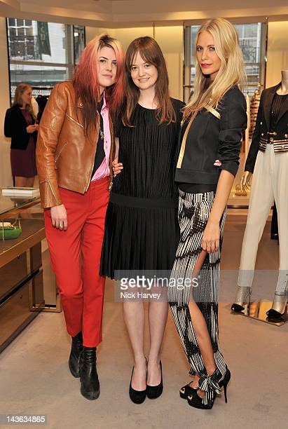 Singer Alison Mosshart Leith Clark and Poppy Delevingne attend the Gucci Hosts 'Very Classy' by Derek Blasberg at the Gucci Store on May 1 2012 in...