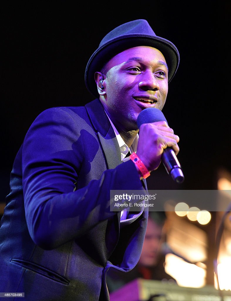 Singer <a gi-track='captionPersonalityLinkClicked' href=/galleries/search?phrase=Aloe+Blacc&family=editorial&specificpeople=4340598 ng-click='$event.stopPropagation()'>Aloe Blacc</a> performs onstage at the City Year Los Angeles 'Spring Break' Fundraiser at Sony Studios on April 19, 2014 in Los Angeles, California.