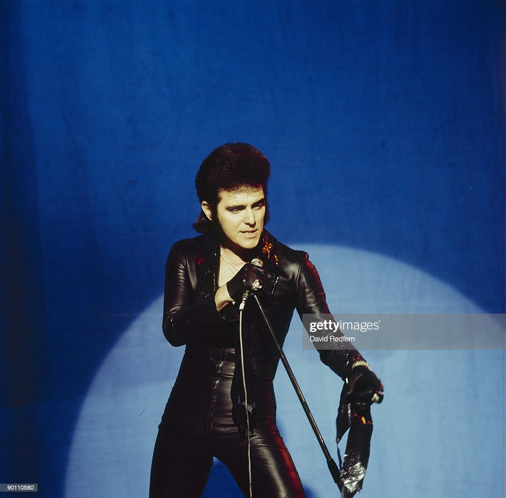 Singer Alvin Stardust performs on Top of the Pops tv show in November 1974.