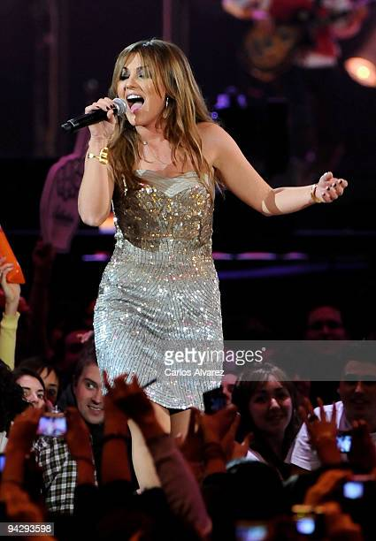 Singer Amaia Montero performs at the ''40 Principales'' 2009 Awards ceremony at the Palacio de los Deportes on December 11 2009 in Madrid Spain