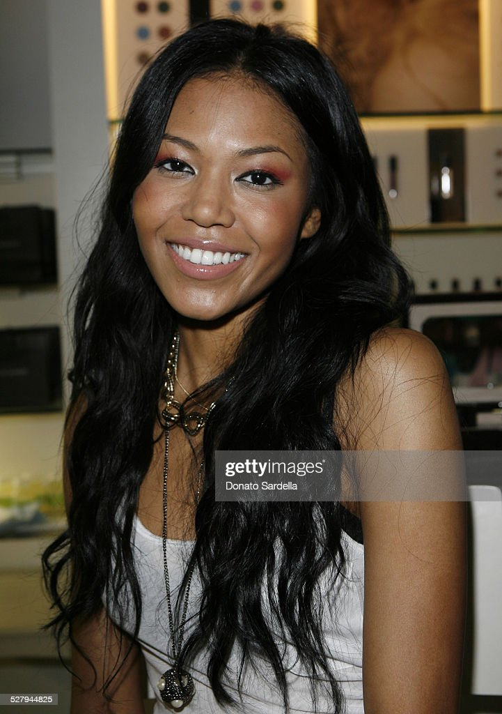 Singer <a gi-track='captionPersonalityLinkClicked' href=/galleries/search?phrase=Amerie&family=editorial&specificpeople=206195 ng-click='$event.stopPropagation()'>Amerie</a> attends the Le Metier De Beaute Launch At Fred Segal Studio Beauty Mix sponsored by 901 Silver Tequila on June 27, 2009 in Santa Monica, California.