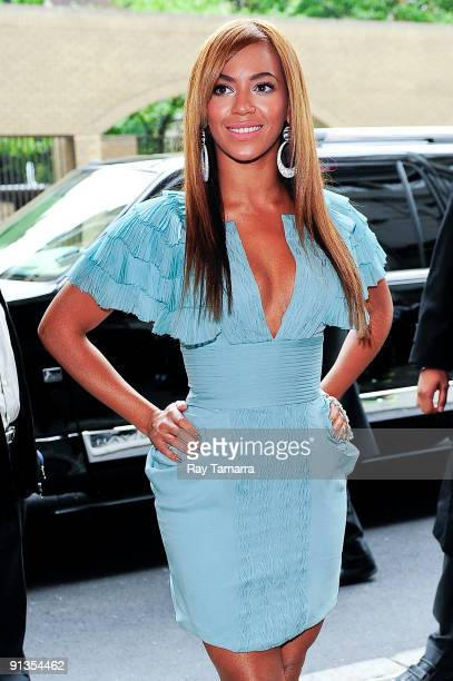 Singer and actress Beyonce Knowles enters the Pierre Hotel on October 02 2009 in New York City