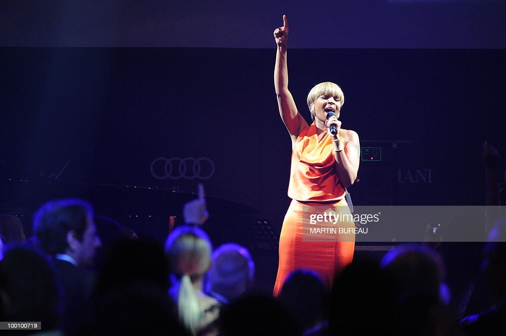 US singer and actress Mary J. Blige perf