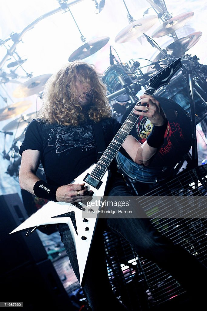 Singer and guitarist Dave Mustaine of Megadeth performs on stage promoting the new studio album ''United Abominations'' at the Astoria on June 16...