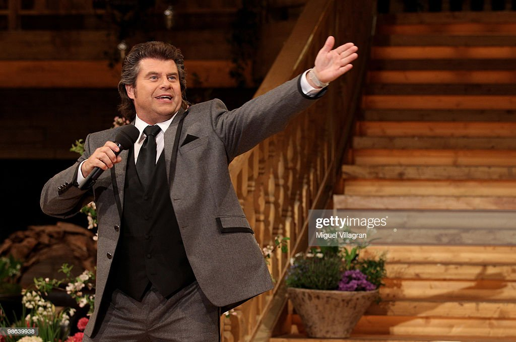Singer and host Andy Borg performs during the dress rehearsal of the Musikantenstadl TV show on April 23 2010 in Salzburg Austria