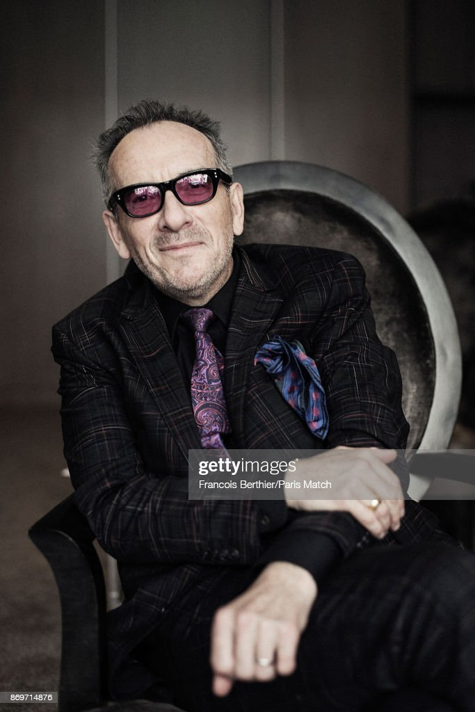 Elvis Costello, Paris Match Issue 3571, November 1, 2017