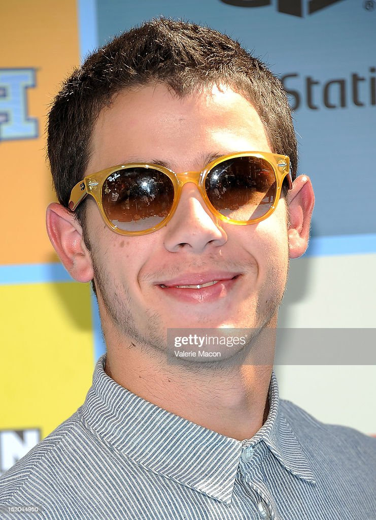 Singer and musician <a gi-track='captionPersonalityLinkClicked' href=/galleries/search?phrase=Nick+Jonas&family=editorial&specificpeople=842713 ng-click='$event.stopPropagation()'>Nick Jonas</a> arrives at Variety's 6th Annual Power Of Youth Event at Paramount Studios on September 15, 2012 in Hollywood, California.