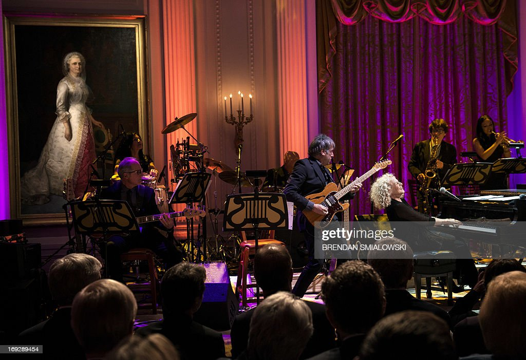 Singer and song writer Carole King performs during the Gershwin Prize Concert in the East Room of the White House May 22, 2013 in Washington, DC