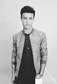 Singer and songwriter Austin Mahone poses for a portrait during the 2015 Teen Choice Awards FOX Portrait Studio at Galen Center on August 16 2015 in...