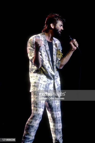 Singer and songwriter Kenny Loggins performs onstage in 1985 in Los Angeles California