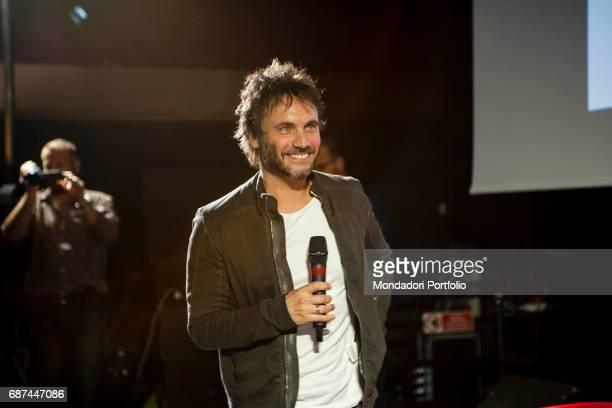Singer and songwriter Nek interviewed by journalist Gianni Poglio during the event 'Panorama d'Italia' Pisa Italy 7th May 2015