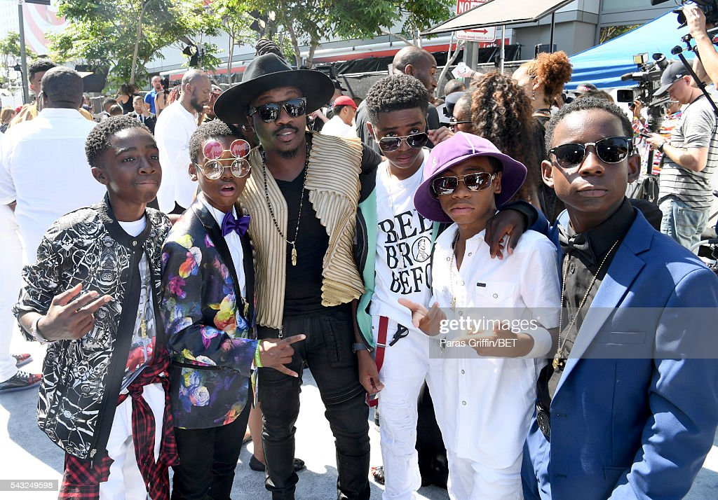 Singer Anthony Hamilton (C) with actors Jahi Di'Allo Winston, Caleb McLaughlin, Myles Truitt, Tyler Williams, and Dante Hoagland attend the 2016 BET Awards at the Microsoft Theater on June 26, 2016 in Los Angeles, California.