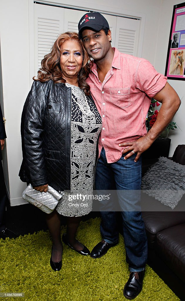 Singer <a gi-track='captionPersonalityLinkClicked' href=/galleries/search?phrase=Aretha+Franklin&family=editorial&specificpeople=210665 ng-click='$event.stopPropagation()'>Aretha Franklin</a> and actor <a gi-track='captionPersonalityLinkClicked' href=/galleries/search?phrase=Blair+Underwood&family=editorial&specificpeople=215367 ng-click='$event.stopPropagation()'>Blair Underwood</a> pose in his dressing room prior to a performance of 'A Streetcar Named Desire' at The Broadhurst Theatre on June 1, 2012 in New York City.