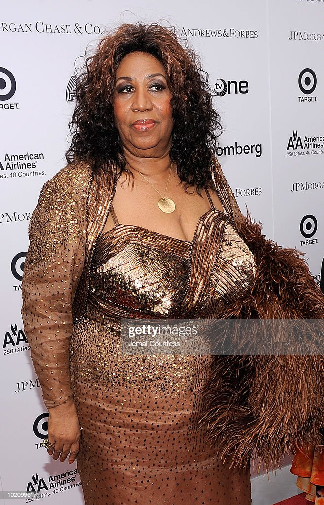 Singer Aretha Franklin poses for a photo on the red carpet at the 2010 Apollo Theater Spring Benefit Concert & Awards Ceremony at The Apollo Theater on June 14, 2010 in New York City.