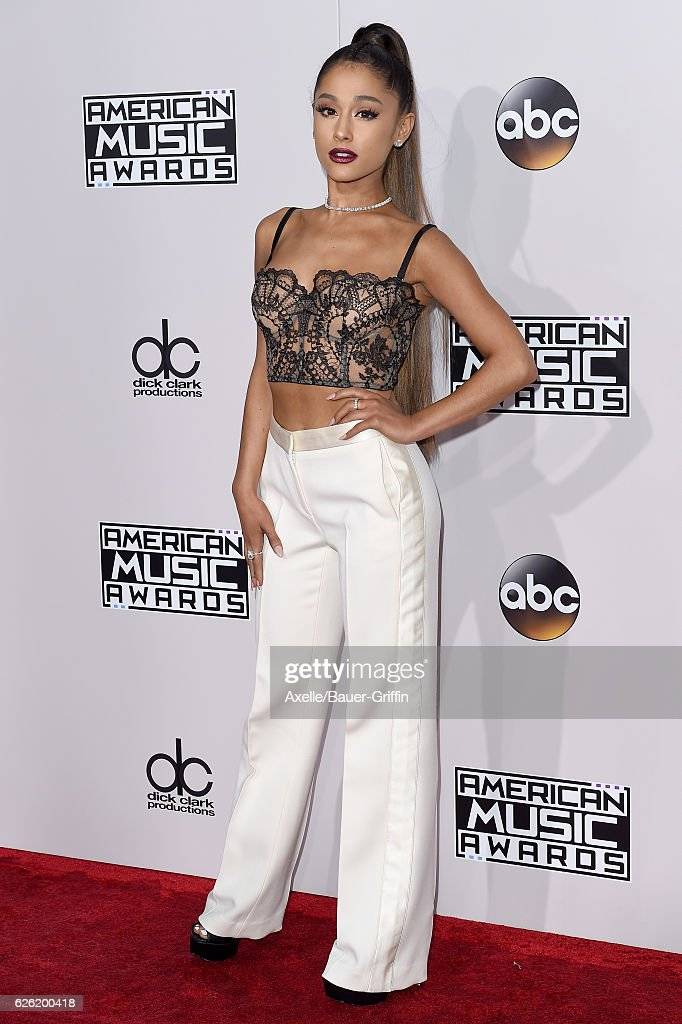 Singer Ariana Grande arrives at the 2016 American Music Awards at Microsoft Theater on November 20, 2016 in Los Angeles, California.