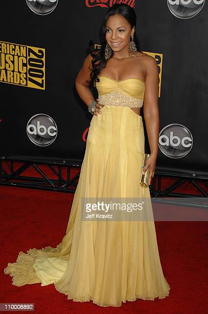 Singer Ashanti arrives to the 2007 American Music Awards at the Nokia Theatre on November 18 2007 in Los Angeles California