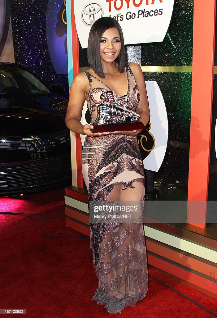 Singer <a gi-track='captionPersonalityLinkClicked' href=/galleries/search?phrase=Ashanti&family=editorial&specificpeople=146300 ng-click='$event.stopPropagation()'>Ashanti</a> attends the Soul Train Awards 2013 at the Orleans Arena on November 8, 2013 in Las Vegas, Nevada.