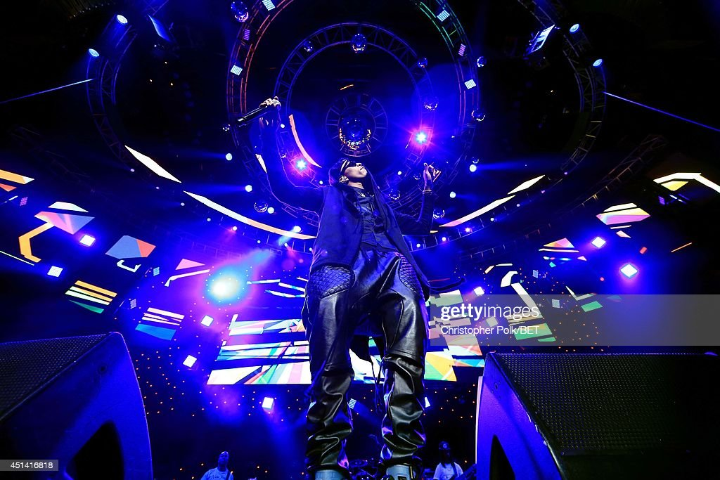 Singer August Alsina performs onstage at the OutKast, A$AP Rocky, Rick Ross, K. Michelle, August Alsina & Ty Dolla $ign Presented By Sprite during the 2014 BET Experience At L.A. LIVE on June 28, 2014 in Los Angeles, California.