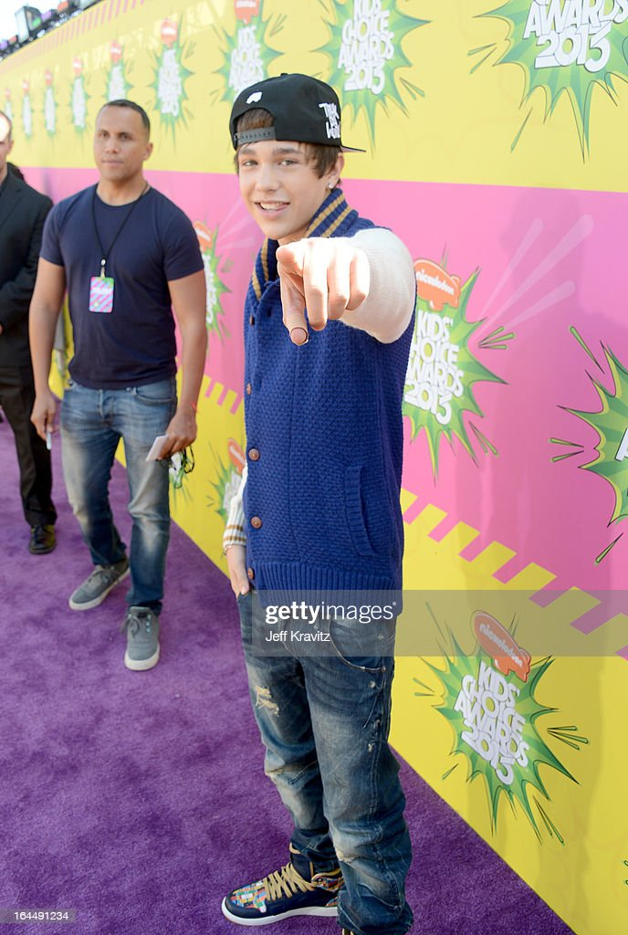 Singer <a gi-track='captionPersonalityLinkClicked' href=/galleries/search?phrase=Austin+Mahone&family=editorial&specificpeople=9429678 ng-click='$event.stopPropagation()'>Austin Mahone</a> arrives at Nickelodeon's 26th Annual Kids' Choice Awards at USC Galen Center on March 23, 2013 in Los Angeles, California.