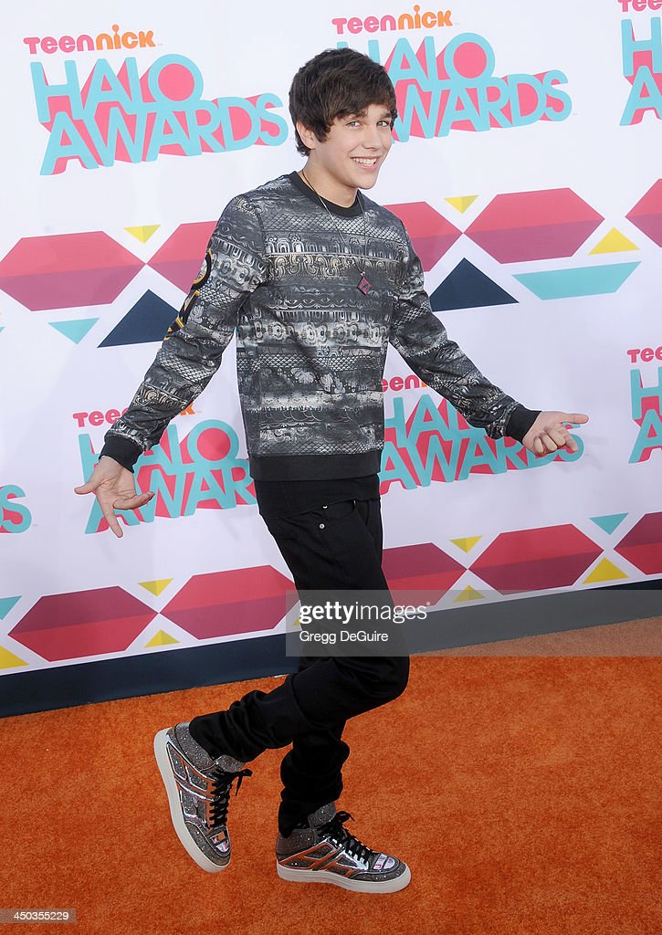 Singer <a gi-track='captionPersonalityLinkClicked' href=/galleries/search?phrase=Austin+Mahone&family=editorial&specificpeople=9429678 ng-click='$event.stopPropagation()'>Austin Mahone</a> arrives at the 2013 TeenNick HALO Awards at the Hollywood Palladium on November 17, 2013 in Hollywood, California.