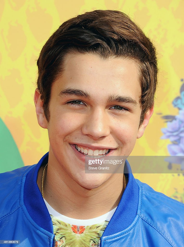 Singer <a gi-track='captionPersonalityLinkClicked' href=/galleries/search?phrase=Austin+Mahone&family=editorial&specificpeople=9429678 ng-click='$event.stopPropagation()'>Austin Mahone</a> attends Nickelodeon's 27th Annual Kids' Choice Awards held at USC Galen Center on March 29, 2014 in Los Angeles, California.