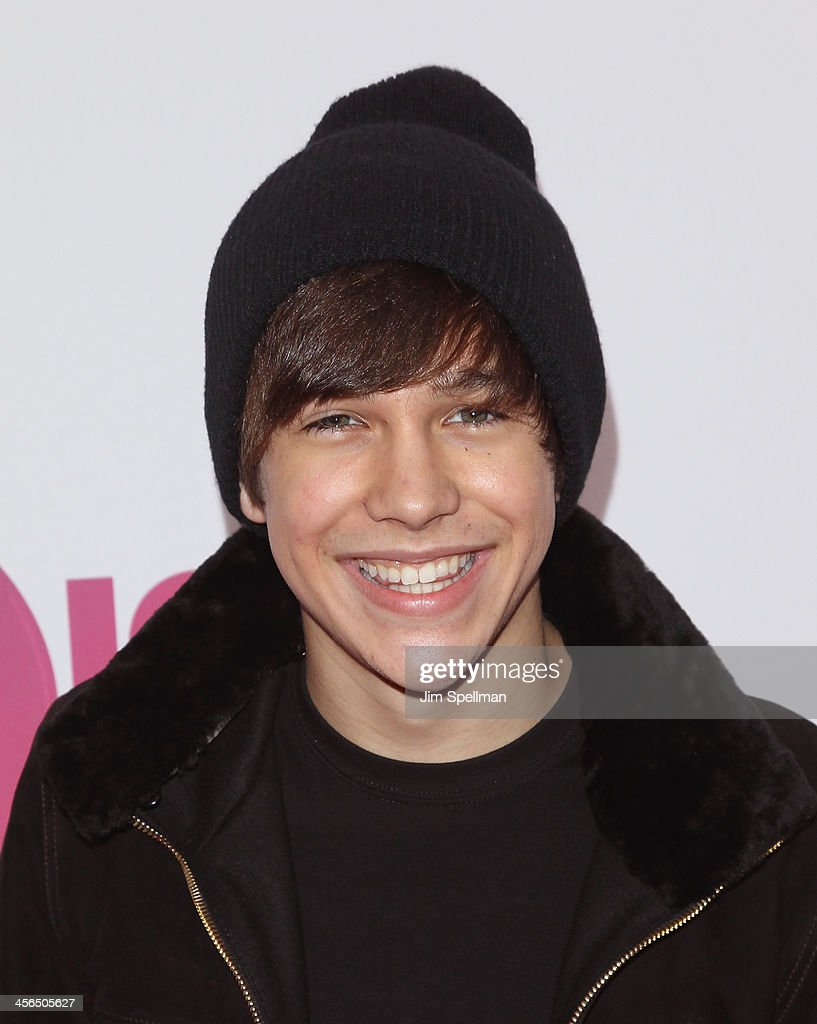 Singer <a gi-track='captionPersonalityLinkClicked' href=/galleries/search?phrase=Austin+Mahone&family=editorial&specificpeople=9429678 ng-click='$event.stopPropagation()'>Austin Mahone</a> attends Z100's Jingle Ball 2013 at Madison Square Garden on December 13, 2013 in New York City.