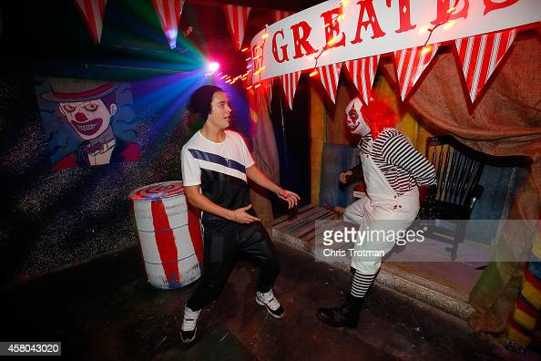 Singer Austin Mahone runs into a clown as he was challenged by 5 gum to face his fear of haunted houses as part of the 5 gum Truth or Dare Challenge...