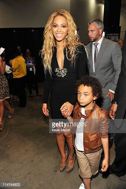 Singer Beyonce and her nephew Daniel Julez pose backstage during the 2011 Billboard Music Awards at the MGM Grand Garden Arena May 22 2011 in Las...