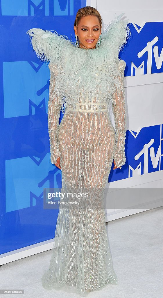 Singer Beyonce arrives at the 2016 MTV Video Music Awards at Madison Square Garden on August 28, 2016 in New York City.